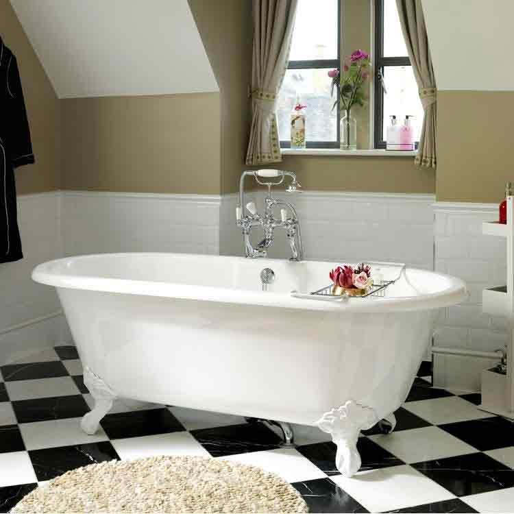 Clawfoot bathtub for Toronto