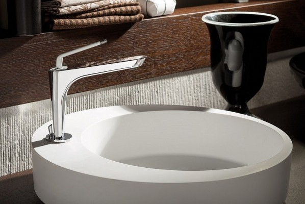 newform bathroom and kitchen faucets