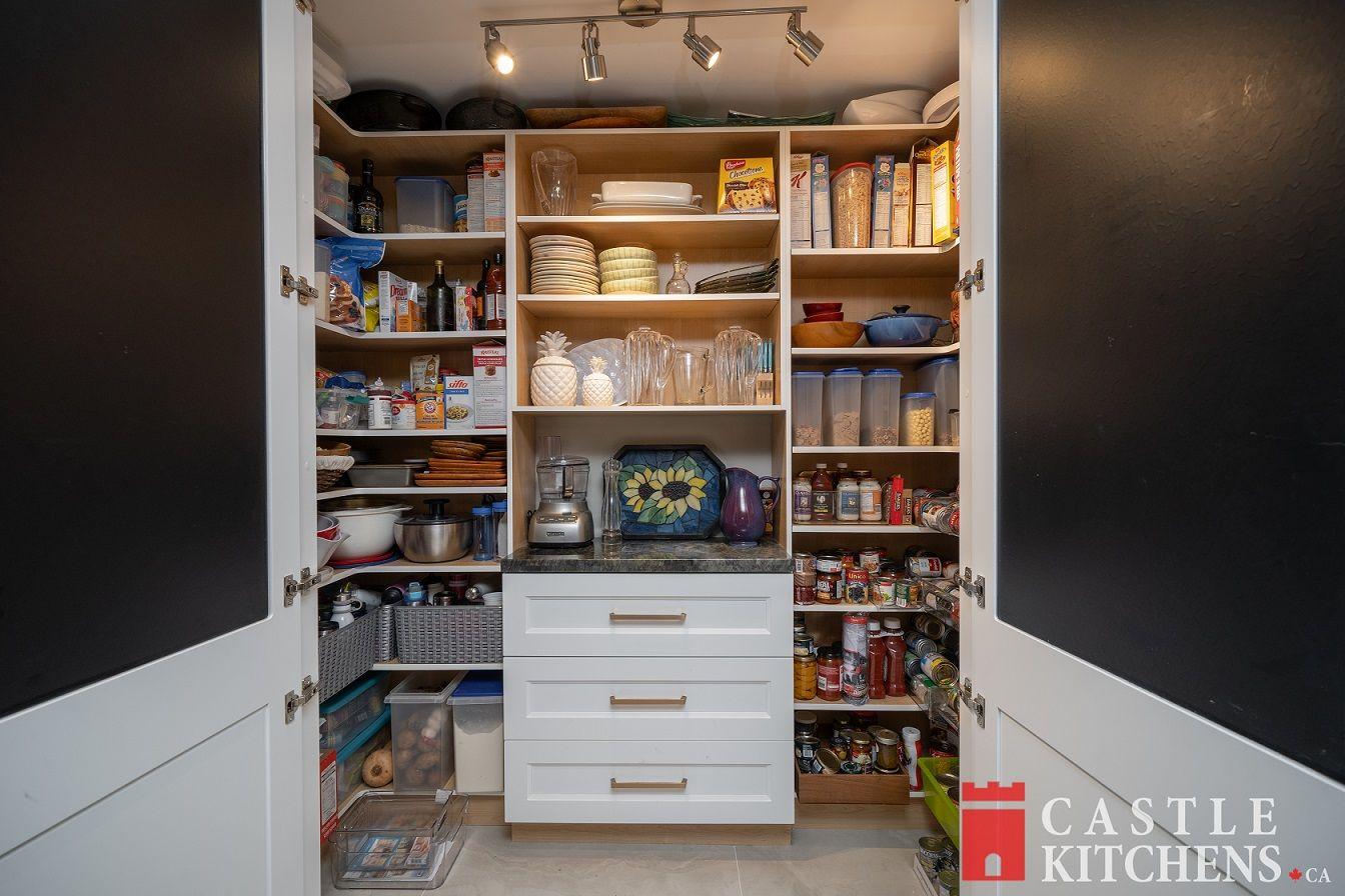 crokery cabinets